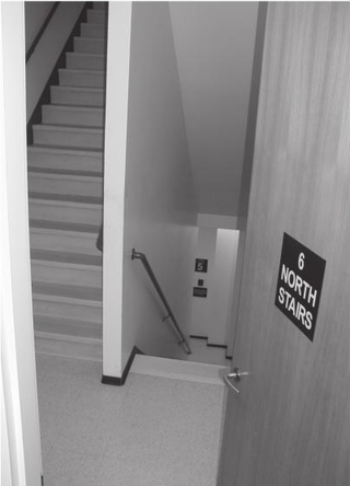 2015-02-21 High-Rise Stair Types Scissor Photo.png